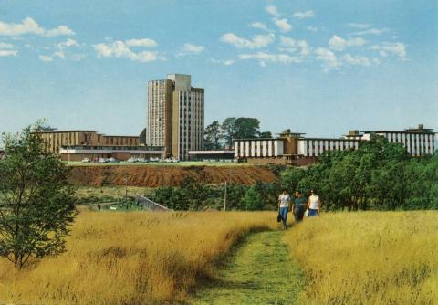 Monash University. Halls of Residence, Deakin Hall, Farrer Hall, Howitt Hall.