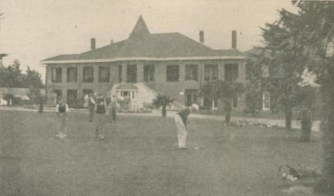 Patterson River Country Club Golf House, Carrum, 1947-48
