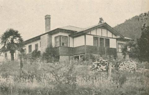 Ben Cairn Guest House, Launching Place, 1947-48