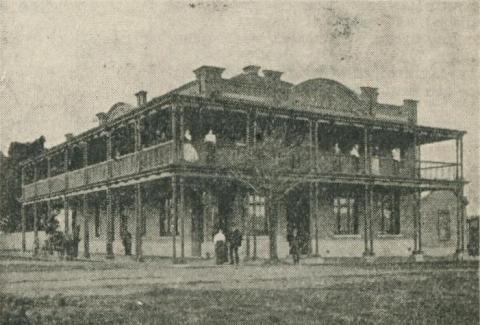 Commercial Hotel, Warragul, 1918-20