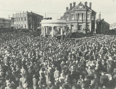 Opening of Kew's first War Memorial