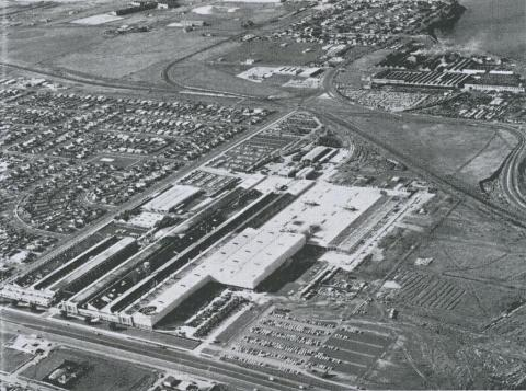 Large industries including Ford, International Harvester, Phosphate Works, Norlane, 1965
