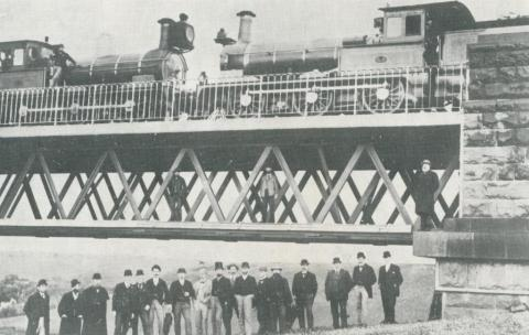 Testing the Moorabool viaduct in 1894