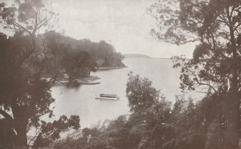 Harper's Bay, looking east towards Nyerimilang, Kalimna and Jemmy's Point, 1934