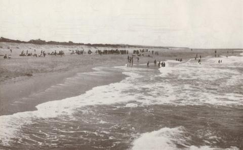 Ninety-Mile Beach, Lakes Entrance, 1934