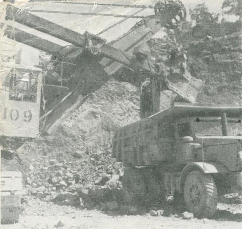 Electric shovels at the quarry, Upper Yarra Dam, 1954