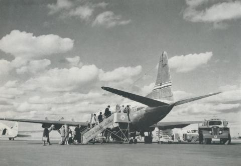 Vikers Viscount airliner, Essendon North, 1958