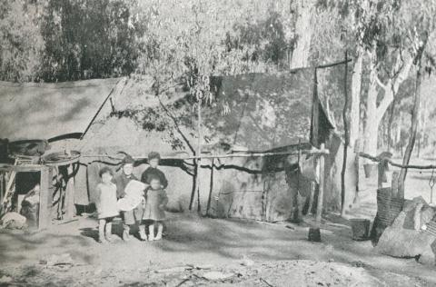 River-side shack dwellers, Shepparton, 1942