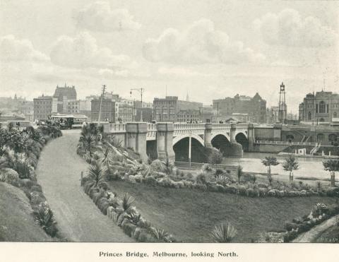 Princes Bridge, Melbourne, looking north, 1900