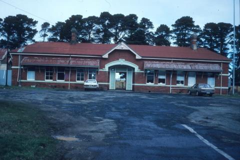 Ballan Railway Station