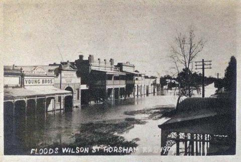 Floods, Wilson Street, Horsham, 1909