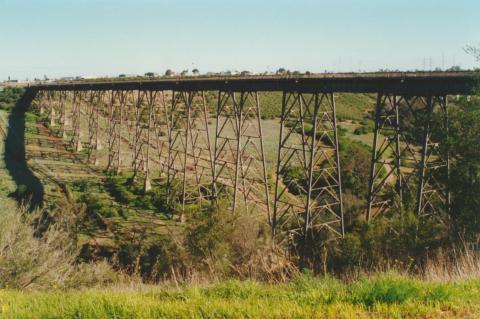 Rail viaduct Maribyrnong River, 2000