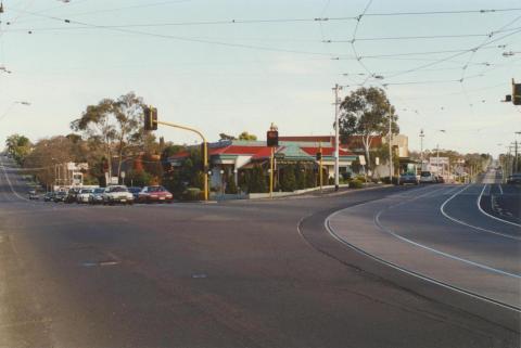 Corner of Toorakand Camberwell roads, Hartwell, 2000