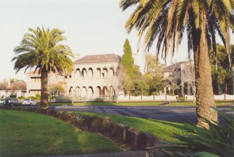 St Vincent Gardens, Albert Park, 2000