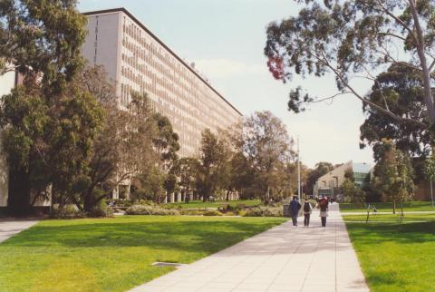 Monash University, 2000