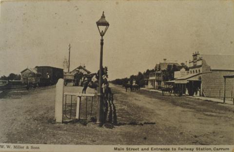 Carrum main street and Railway Station, 1907