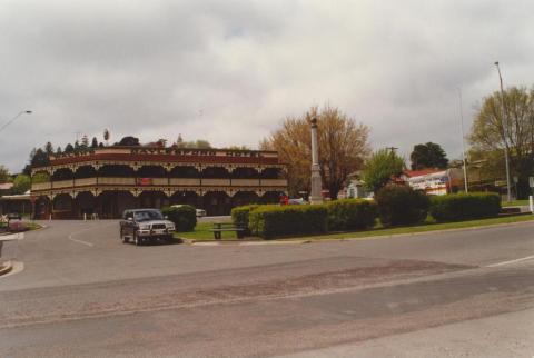 Walsh's Daylesford Hotel, 2000