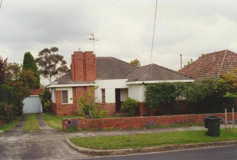 Melcombe Road, Ivanhoe (Jennings estate), 2000