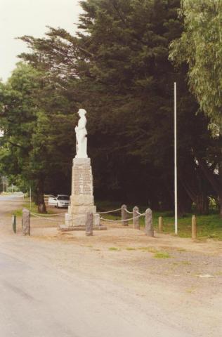 Whittlesea War Memorial, 2000