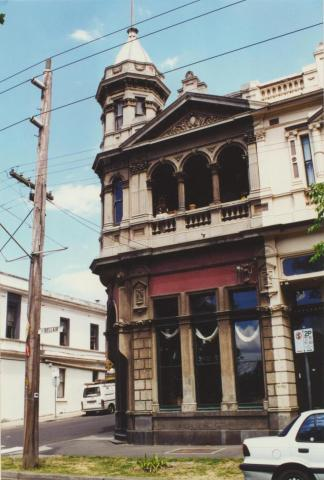 Kensington Property Exchange, 168 Bellair Street, 2000
