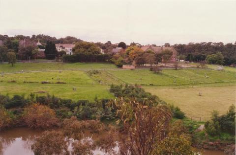 Abbotsford Convent, 2001