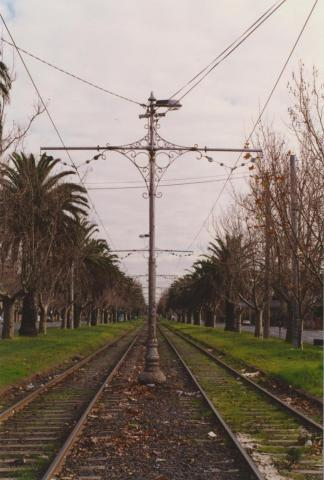 Dandenong Road, West from Hawthorn Road, Caulfield, 2001