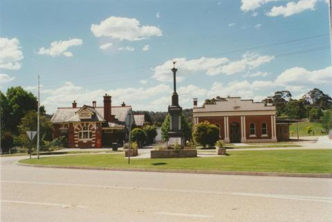 Bruthen, 2001