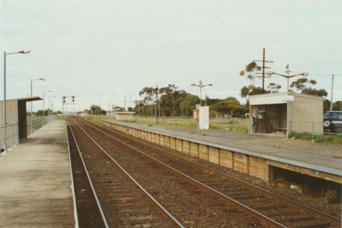 Rockbank Railway Station, 2002