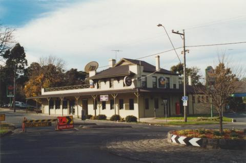 Westmeadows Tavern, 2002