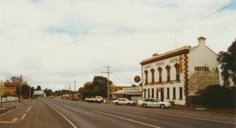 Smythesdale Hotel opposite court house, 2002