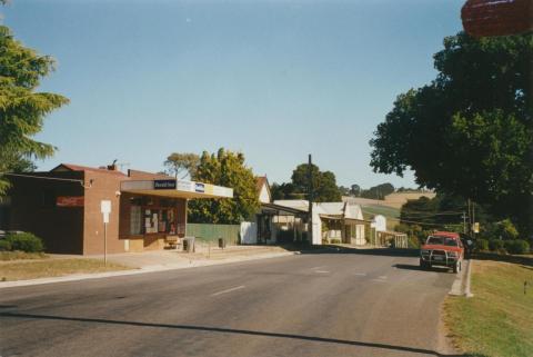 Thorpdale main street, 2002