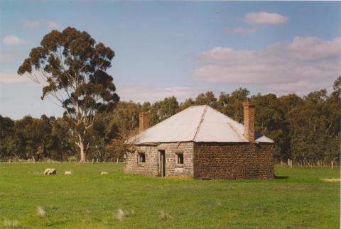 Stone cottage, Craigie, 2004