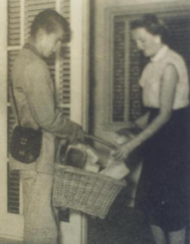 Bread delivery, Horsham, 1955
