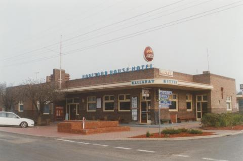 Hopetoun House Hotel, Jeparit, 2010