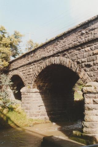 Newlands Road bridge, Merri Creek, 2010