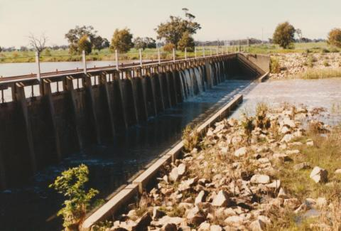 Weir, Wimmera River, Horsham, 1980