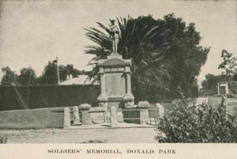 Soldiers' Memorial, Donald Park, 1949