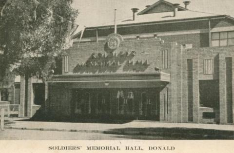 Soldiers' Memorial Hall, Donald, 1949