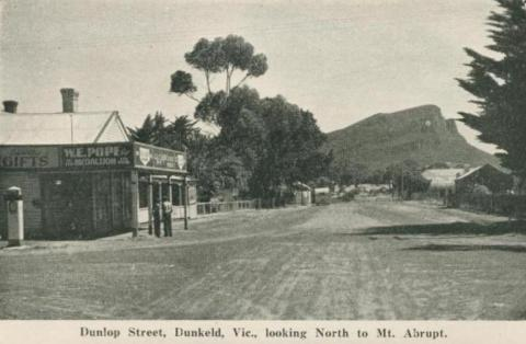 Dunlop Street Dunkeld, looking north to Mt Abrupt, 1952