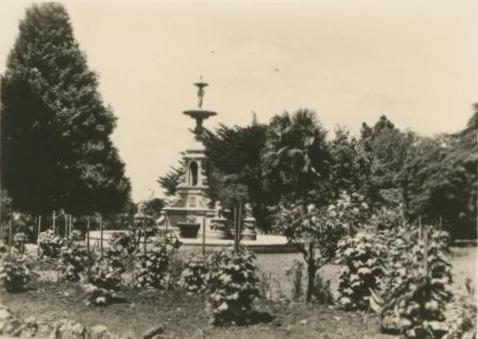 John Thomas Memorial, Hamilton Gardens