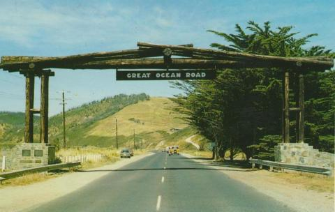 Memorial Archway, Great Ocean Road, near Lorne. The arch was replaced after the Ash Wednesday bush fires in 1983