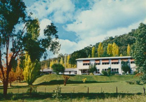Mount Beauty Chalet