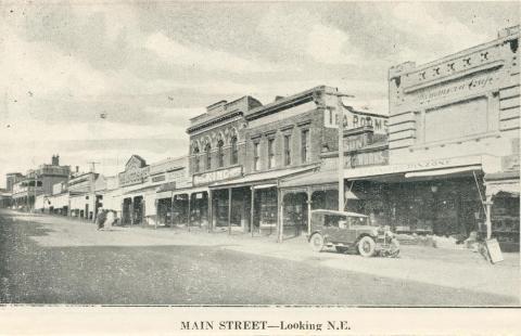 Main Street - Looking N.E., Stawell, c1925