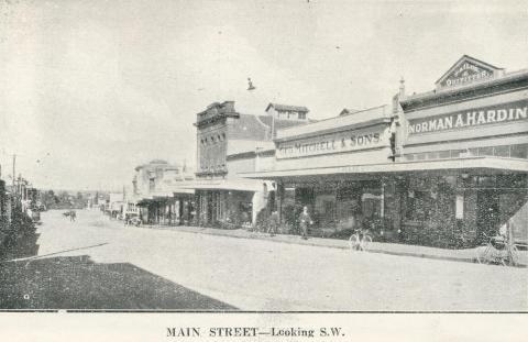 Main Street - Looking S.W., Stawell, c1925