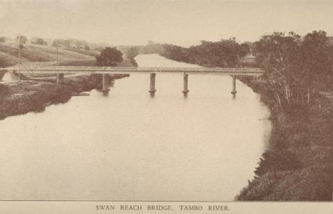 Swan Reach Bridge, Tambo River