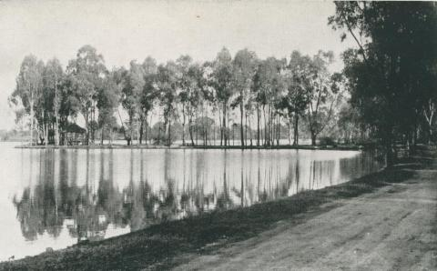 The Peninsula, Lake Victoria, Shepparton