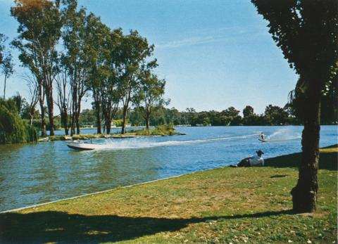 Water skiing on Lake Victoria, Shepparton