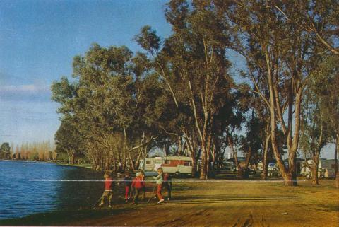 The Caravan Park on the shores of Lake Victoria, Shepparton