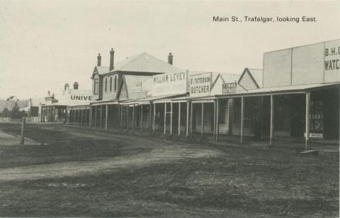 Main Street, Trafalgar, looking East