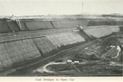 Coal dredges in open cut, Yallourn